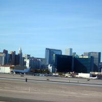 Las Vegas havaalanı Osman Ünlü, Парадайс