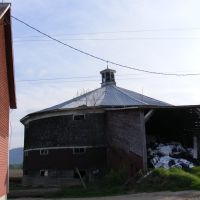 Back of the round barn, Вудсвилл