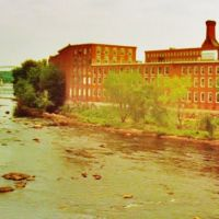 Once Worlds Largest Cotton Mills District, Merrimack River, Manchester, NH, Манчестер