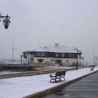 Snow, windy, and cold, Гилфорд-Парк