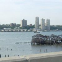 old melted pier (thats New Jersey across the water), Гуттенберг