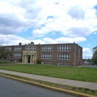 Belleville Elementary School, Натли