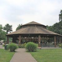 The Carousel, Парамус