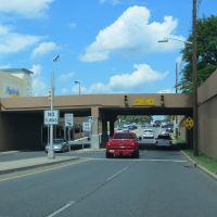Mall Overpass, Парамус