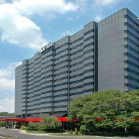 Teaneck Marriott Hotel at Glenpointe in Northern New Jersey, Тинек