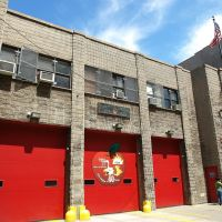 FDNY Firehouse Engine 37 & Ladder 40, Manhattanville, New York City, Эджуотер