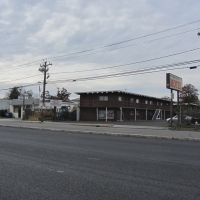 Spring Lane Motel, Элизабет