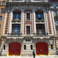 FDNY Firehouse Engine 84 & Ladder 34, Washington Heights, New York City, Бронкс
