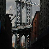 Manhattan Bridge and Empire State - New York - NYC - USA, Бэй-Шор