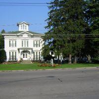 Tillinghast Manor, Виллард