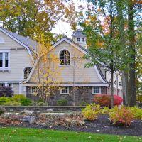 Saratoga Homes, Гейтс