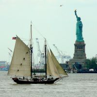 USA, sur Liberty Island, la Statue de la Liberté de 46m fût achevée le 28 Octobre 1886, Гленхэм