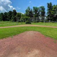 Gates Town Park - baseball diamond, Грис