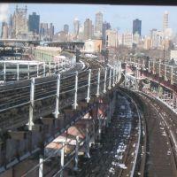 View from the Manhattan bound 7 train, Квинс