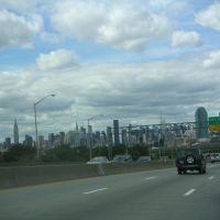 Approaching Manhattan, Квинс