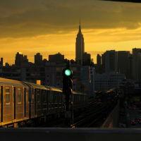 Green light to Manhattan, Квинс