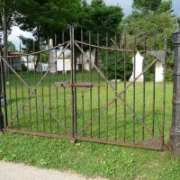Wrought Iron Gate at entrance to Failing Cemetery, Кенмор