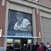 Gil Hodges Entrance at Citi Field - H&M, Корона