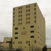 St Johns Episcopal Hospital, Лауренс
