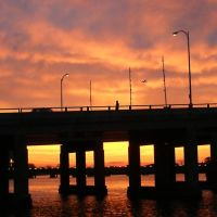 Long Beach Memorial Draw Bridge at Sunset, Лонг-Бич