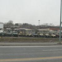 How many golf carts?, Менандс