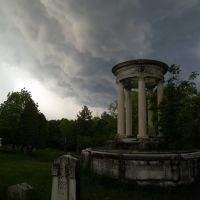 The Boyd monument at the edge of the storm, Менандс
