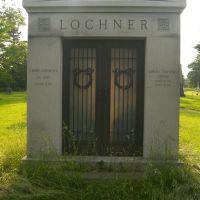 Lochner, Менандс