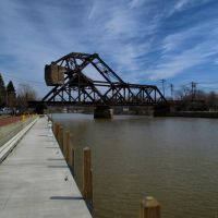 Railroad bridge over the Erie Canal in Tonawanda, NY, Норт-Тонаванда