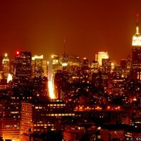 Looking up Manhattan from the west side, by night, Нью-Йорк-Миллс