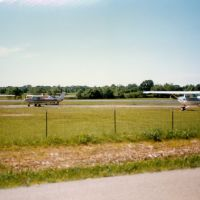Cessna 152s at Dutchess County Airport, Poukeepsie, NY, Нью-Хакенсак