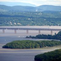Newburgh-Beacon Bridge from Crows Nest Mountain, Ньюбург