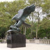 New York - Battery Park - East Coast Memorial, Ред-Оакс-Милл