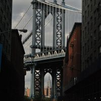 Manhattan Bridge and Empire State - New York - NYC - USA, Спринг-Вэлли