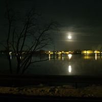Winter Solstice Moon on Niagara River, Тонаванда