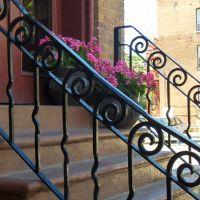 Decorative Rails on First St, Трой