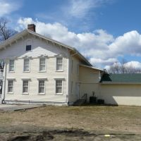 (copyrighted)  1844 Drovers Inn & Round family residence, Эндикотт