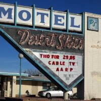Desert Skies Motel, Historic Route 66, 1703 West Highway 66, Gallup, NM, built 1959, style: Googie, Гэллап