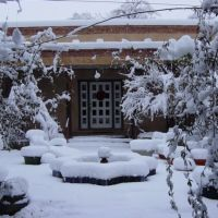 Los Poblanos courtyard after Dec 2006 snow storm, Лос-Ранчос-де-Альбукерк