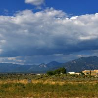 Panoramic mountains in Toas, NM, Ранчос-Де-Таос