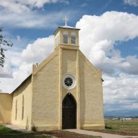Yellow Church near Tierra Amarillo NM, Тьерра-Амарилла