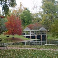 Ohio University-pond in fall, Атенс
