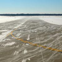 Runway at Cleveland Hopkins International Airport, Брук-Парк