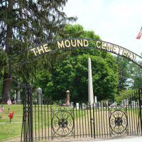 Mound Cemetery, Девола