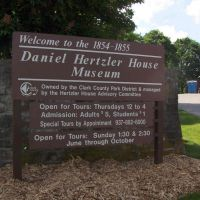 Daniel Hertzler House Museum, GLCT, Доннелсвилл