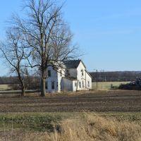 OLD FARM HOUSE  IN SPRINGFIELD OHIO, Доннелсвилл