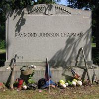 Ray Chapmans grave, Ист-Кливленд