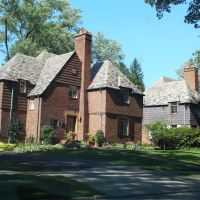 Brewster Road. A John D Rockefeller Jr. development in East Cleveland Ohio of French Norman Style architecture, Ист-Кливленд
