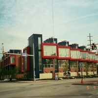 """""""Circle 118"""" is a residential development at E.118th Street & Euclid Avenue. Red Line Rapid tracks & viaduct to its right; the E.120th Street Red Line station is near here. (May 2012), Ист-Кливленд"""
