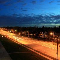Night view of South Taylor Road, Кливленд-Хейгтс