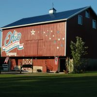 Miami County Bicentennial  Barn, Лаура